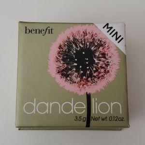 Benefit Mini Dandelion Blush/Finishing Powder